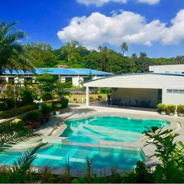 Swimming pool - hummingbird resort