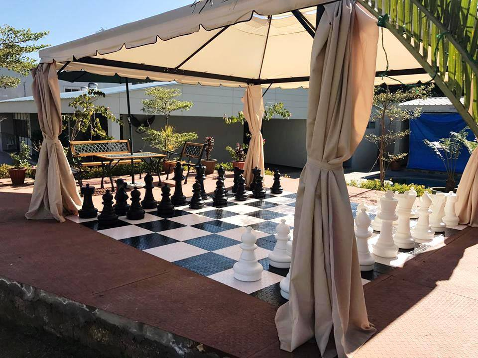 Open Shade Chess - Hummingbird Resort