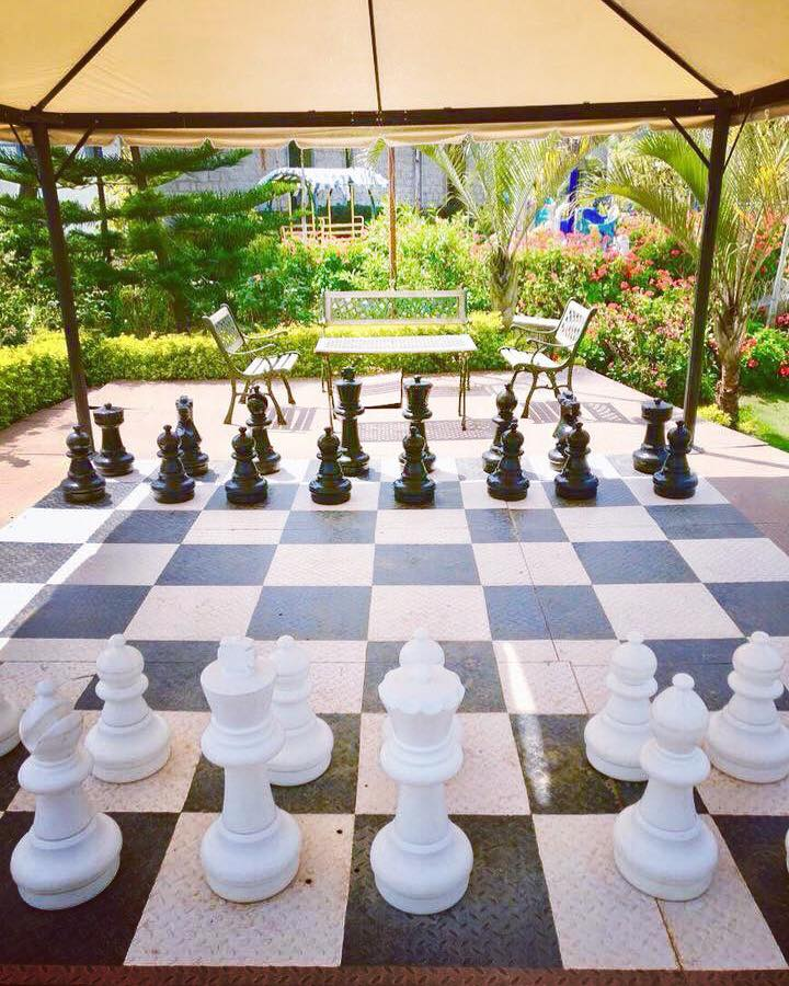 Human Size Chess- Hummingbird Resort