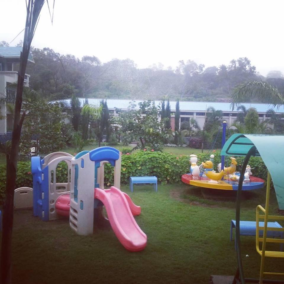 Kids play area - Hummingbird Resort