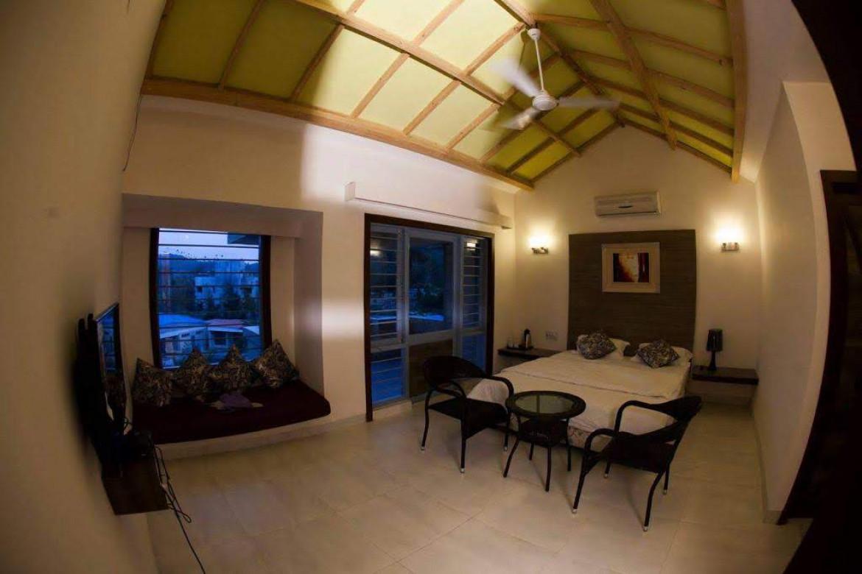 premium room interior � hummingbird resort