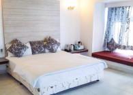 Cottage Bedroom 1- Hummingbird Resort