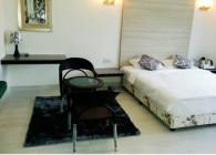 Cottage Balcony Room - Hummingbird Resort